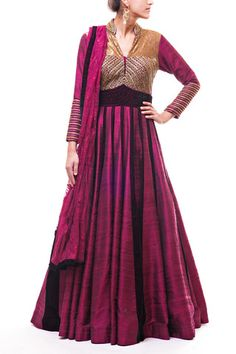 Plum color idea - for sister's wedding color scheme for family outfits