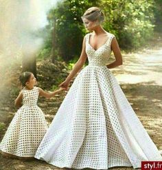 I absolutely love the idea of matching the flower girl dresses with your wedding gown… The same fabric, the same color, the same basic-pattern as your wedding Mother Daughter Matching Outfits, Mother Daughter Fashion, Mommy And Me Outfits, Mom Daughter, Mother Daughters, Best Wedding Dresses, Bridal Dresses, Wedding Gowns, Girls Dresses