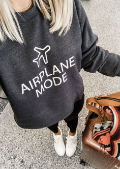 Airplane Mode Sweatshirt I want it TT Diy Sweatshirt, Diy Shirt, Graphic Sweatshirt, Casual Fall Outfits, Cute Outfits, Airplane Outfits, Simple Shirts, Simple Shirt Design, Cute Sweatshirts