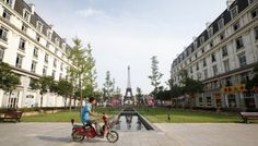 Glimpse The Absurd Parisian Ghost Town In The Middle Of China - Tianducheng a ghostly abandoned clone of paris in the middle of china
