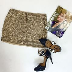 HP Express gold embellished mini skirt This skirt from Express can be dressed up or down effortlessly! Pair with heels and a denim jacket or a blazer. Worn once, in excellent condition. Express Skirts Mini