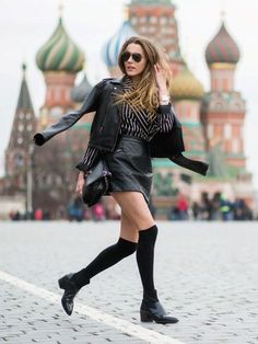 #MaryLeest looking fab on the fly in Moscow.