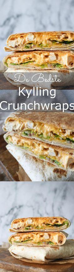 Fantastisk ret! Jeg blev inspireret af Taco Bell's crunch wrap til at lave disse kyllinge crunch wraps. Indeni er der stegt kylling med tacokrydderi, ost, tortilla chips og andet godt! #Tortillas #Kylling #Ost #Frokost #Aftensmad #Nemt #Opskrift