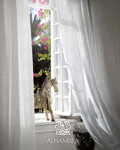 Acarta Studio offers a wide range of windows accessories, such as curtain in a wide variety of materials, colors and textures. Interior Styling, Interior Decorating, Decorative Plaster, Chinoiserie Wallpaper, Interior Design Services, Fabric Decor, Windows, Curtains, Dandelion