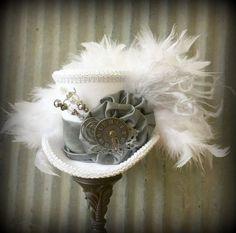 Mini chapeau haut de forme, le lapin blanc en étain, Alice in Wonderland Mini chapeau haut de forme, Tea Party Hat, Steampunk chapeau, chapeau de Gear, Mad Hatter Hat