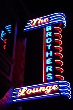 oh yea, da bros - Brothers Lounge, Cleveland, retro neon sign Old Neon Signs, Vintage Neon Signs, Neon Light Signs, Old Signs, Austin, Electric Signs, Neon Licht, Neon Moon, Arquitetura