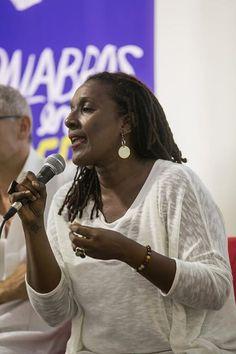 Me preocupa mucho la ausencia de palabras que nombren el deseo de nosotras las mujeres», Mayra Santos-Febres