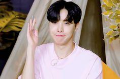BTS 'Dynamite' Countdown Live | gif, bts y jungkook Jimin, Jhope, J Hope Gif, Bts J Hope, Jung Hoseok, K Pop, Mixtape, Live Gif, The Scene