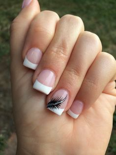 French tips with a feather