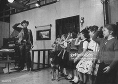 my gif gif Black and White the beatles Paul McCartney john lennon ringo starr george harrison Beatles gif 1964 tragicalhistorytour Physical Comedy, George Harrison, Rare Videos, Tv On The Radio, Tv Radio, The Fab Four, Ringo Starr, Paul Mccartney