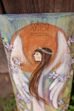 Fiołkowy Anioł ręcznie malowany na drewnie może być podarowany na każda okazję i w każdym momencie. A dodatkowo wręczony bukiecik fiołków będzie dopełnieniem całości! - www.anielska-pracownia.pl