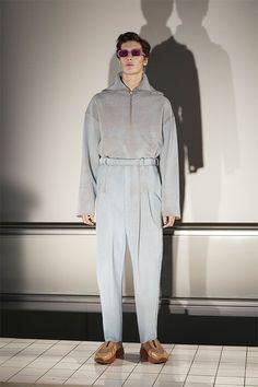 5175b1ba079 Acne Studios Fall 2017 Menswear Fashion Show Collection  See the complete  Acne Studios Fall 2017 Menswear collection.