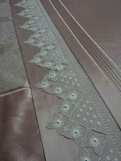 Crochet Edgings And Borders Crochet Borders, Filet Crochet, Easy Crochet, Double Duvet Covers, Bed Covers, Bed Cover Design, Zara Home Collection, Quilted Bedspreads, Linens And Lace