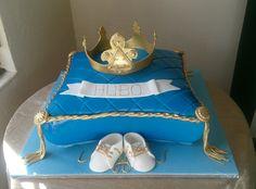 Royal baby shower #prince#gold#crown#redvelvet