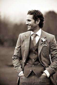 Groom/Groomsmen style: tweed suit and vest combination. looks awesome in B Tweed Wedding Suits, Tweed Suits, Wedding Men, Wedding Attire, Wedding Trends, Wedding Ideas, Mens Suits, Wedding Venues, Tweed Waistcoat
