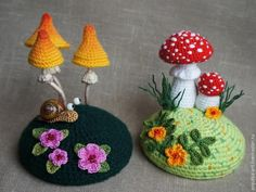 You'll love to make this gorgeous Crochet Snail Pattern and how seriously cute are they. We've included Crochet Toadstools too that you are guaranteed to love. How sweet is this Amigurumi Crochet Snail Pattern! Crochet Snail, Crochet Mug Cozy, Crochet Fairy, Crochet Amigurumi, Cute Crochet, Crochet Crafts, Crochet Dolls, Yarn Crafts, Crochet Flowers