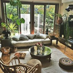40 The 5 Minute Rule For Living Rooms Balinese Interior Design 373 Dizzyhome. Boho Living Room, Living Room Colors, Living Room Modern, Living Room Decor, Living Rooms, Day Bed Living Room, Interior Design Living Room Warm, Home Interior Design, Living Room Designs