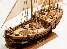DishModels.ru - Scale modeller's site. Gallery, walkarounds, competitions. Model Sailing Ships, Model Ships, Wooden Model Boats, Wooden Boats, Model Ship Building, Boat Building, Steampunk Ship, Ship In Bottle, Pirate Boats