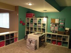 I love being organized... Thirty-One Style! I wish this was my room!!!