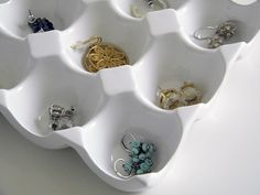 15 Genius Storage Solutions For The HomeJewelry Storage I am always getting my jewelry tangled up in my jewelry box. This egg crate idea is a genius way to keep your gems separated. See more on Fabulous K Earring Storage, Jewellery Storage, Jewellery Display, Jewelry Organization, Organization Hacks, Jewelry Box, Jewelry Drawer, Jewelry Holder, Organizing Ideas