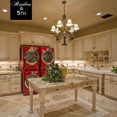 I could live in this laundry room! A MUST for my dream home! #perfect Photo by rodeoand5th