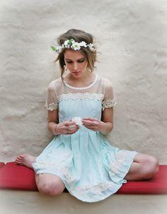 Get this look (dress, crown) http://kalei.do/X2iKbFXhYggW0D7R