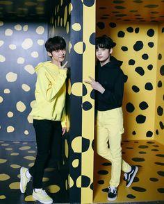 Lindos Jooheon, K Pop, Kai, Memes Funny Faces, Cat Dog, Young Ones, The Dream, Kpop Boy, Korean Boy Bands