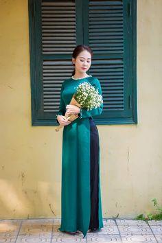 Beautiful Chinese Women, Vietnam Girl, Bridesmaid Dresses, Wedding Dresses, Diva Fashion, Indian Beauty Saree, Ao Dai, Japanese Girl, Asian Girl