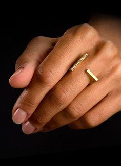 Ring Diamantenlinien aus Weiß- oder Gelbgold besetzt mit Diamanten im Brillantschliff