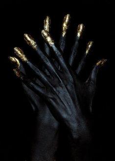 Wonderful Black Gold Jewelry For Beautiful Pieces Ideas. Breathtaking Black Gold Jewelry For Beautiful Pieces Ideas. Black Art, Black Gold, Matte Black, Color Black, Black Nails, Matte Nails, Or Noir, Body Makeup, Black Is Beautiful