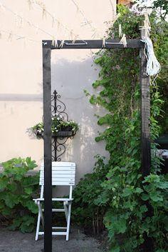 Unearthly Garden For Beginners Ideas Ideas 10 Thriving Cool Tips: Modern Backyard Garden Flower Beds easy garden ideas square feet. Small Backyard Gardens, Modern Backyard, Backyard Garden Design, Terrace Garden, Garden Landscaping, Outdoor Gardens, Garden Modern, Large Backyard, Garden Planters