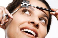Confira alguns truques para deixar as sobrancelhas perfeitas! - http://eleganteonline.com.br/confira-alguns-truques-para-deixar-as-sobrancelhas-perfeitas/