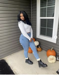 Simple Outfits, Trendy Outfits, Cute Outfits, Dope Fashion, Teen Fashion Outfits, Beautiful Dark Skinned Women, Cargo Pants Women, Chill Outfits, Everyday Outfits