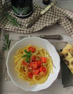 Cena mediterránea con aove y aromáticas.
