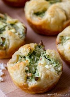 Puffs Filled with Feta, Bacon Bits, cheese and spinach - you can get wrong with these Spinach Cheese Puffs! { }Filled with Feta, Bacon Bits, cheese and spinach - you can get wrong with these Spinach Cheese Puffs! Spinach Puffs Recipe, Spinach Cheese Puffs, Spinach Puff Pastry, Feta Cheese Recipes, Cheese Bites, Puff Pastry Appetizers, Appetizer Recipes, Spinach Appetizers, Puff Pastries