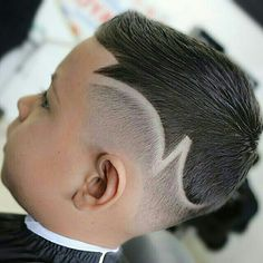 Fade goes along with the side part👌 College Hairstyles, Undercut Hairstyles, Toddler Haircuts, Haircuts For Men, Unique Hair Cuts, Hair Designs For Boys, Hair Tattoo Designs, Haircut Designs, Hair Art