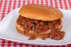 Beef it up with this man food--All American Sloppy Joes made in the slow cooker. Slow Cooker Sloppy Joes, Homemade Sloppy Joes, Sloppy Joes Recipe, Cooking Recipes, Healthy Recipes, Dinner Recipes, Copycat Recipes, Diabetic Recipes, Nutrasystem Recipes