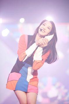 Victoria at f(x)'s Concert