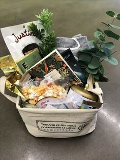 Gift basket for speakers. Conference decor. Event ideas.