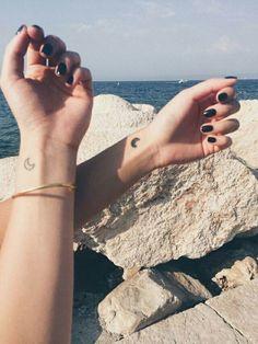 Imagem de tattoo, moon, and beach