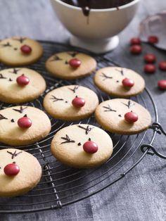 Rudolfjes Cupcakes Amor, Fun Cupcakes, Cupcake Cookies, Xmas Food, Christmas Desserts, Christmas Baking, Christmas Tables, Nordic Christmas, Modern Christmas