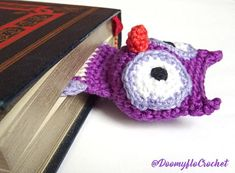 Owl bookmark in cotton with crochet technique; accessories for books; customizable on request Ideal for owl fans For reading and book lovers; for adults, teenagers, children over 3 years old *************************** Purple LANG cotton, orange and black cotton for eyes and beak, legs, synthetic polyester wadding This fancy bookmark represents a flattened owl to better fit into books. Careful finishing and sewing. The head is padded with synthetic cotton wool to prevent dust mites. Length…