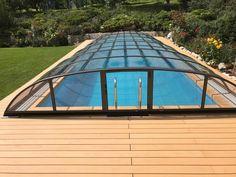 Dřevoplastové terasy voda z bazénu nezničí. Dokonce ani zelené řasy, které by na dřevěné terasy začaly brzy růst, tu z kompozitu neohrozí! Více info u nás na webu :) Wood Plastic, Outdoor Gear, Tent, Store, Tents