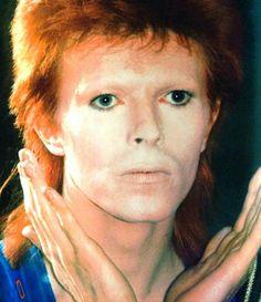 David Bowie, backstage Leeds Rolarena, 29 June 1973.