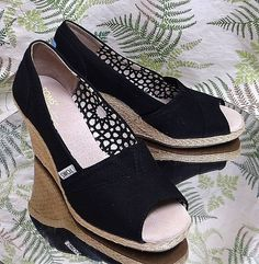 TOM'S BLACK SLIP ONS SLIDES OPEN TOE SANDALS DRESS SHOES HEELS US WOMENS SZ 7.5 #Toms #Wedges #Clubwear