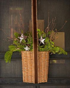 Easy Front Porch Holiday Decorations   Midwest Living