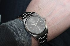 PROFESSIONAL WATCHES: The new Dark Rhodium Rolex Oyster Perpetual 39mm