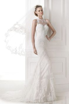Such a beautiful lace mermaid wedding dress! Pronovias, 2015
