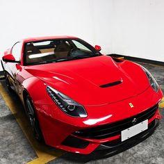 SEXY Ferrari F12 Berlinetta