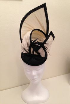 Jinsin and black sinamay by LUCY HOOLIHAN #millinery #HatAcademy
